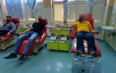 Policijski službenici Uprave policije MUP-a ZDK u akciji dobrovoljnog darivanja krvi