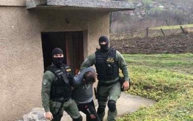 Izvršenim upadom policije pronađeno lice iz Maglaja za kojim je raspisana centralna potraga