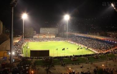 Fer i sportsko navijanje, kao i dobra atmosfera u gradu narušeni nakon utakmice od strane igrača i osoblja na terenu