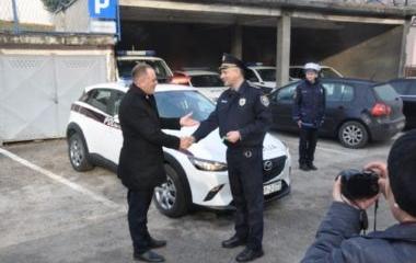 MINISTAR UNUTRAŠNJIH POSLOVA DARIO PEKIĆ URUČIO NOVO SLUŽBENO VOZILO POLICIJSKOJ STANICI OLOVO